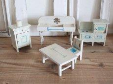 画像2: RARE!! Antique Doll House Furniture Kitchen SET (2)