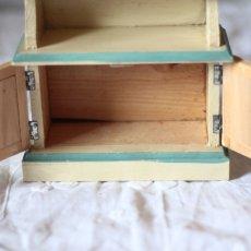 画像10: ドールハウス アンティークカップボード (10)